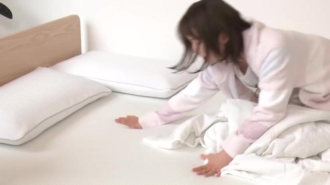 弘中綾香 話題マットレスで寝心地検証!! 14