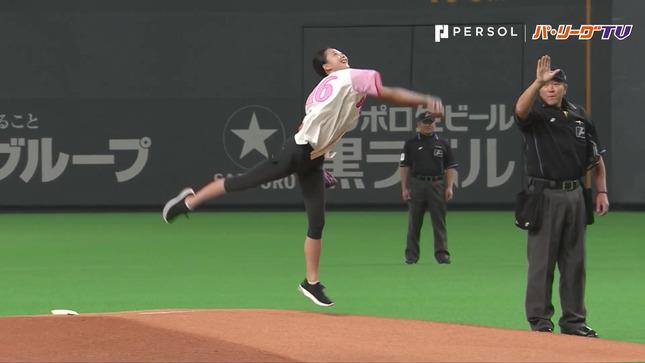 畠山愛理 日本ハム-巨人 始球式 26