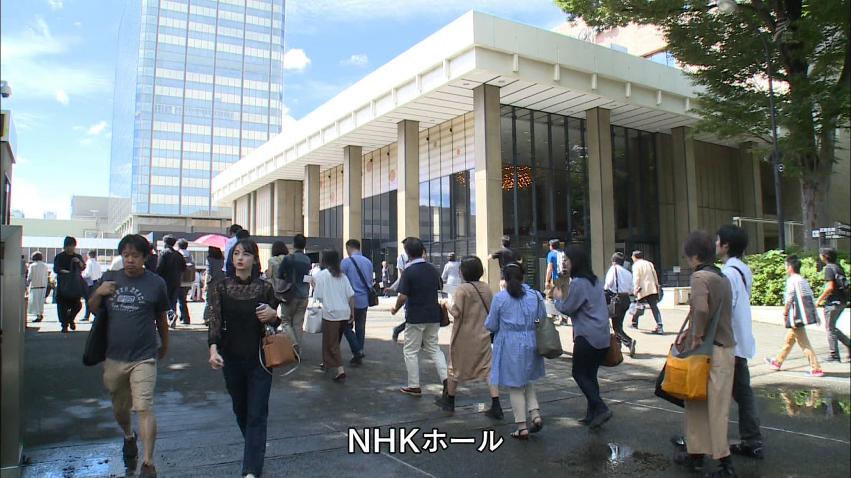 TBS・山本恵里伽アナ NHK-BSに映り込む!