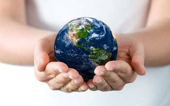 756-holding-earth-wallpaper-1920x1200-customity