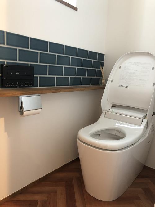 トイレ タイル