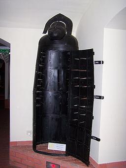 Muzeum Ziemi Lubuskiej - Muzeum Tortur - ?elazna dziewica
