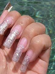 バリ時の爪
