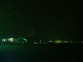 漆黒の月湖