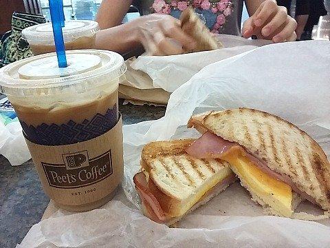 breafast sandwich