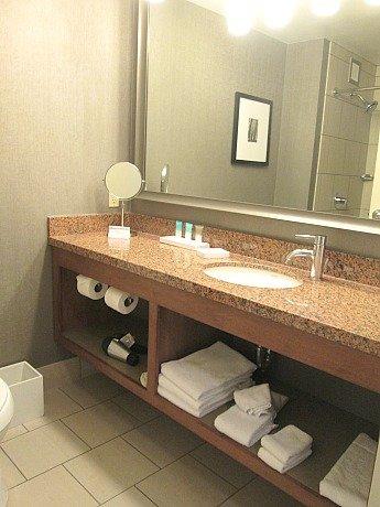 hyatt bathroom 1