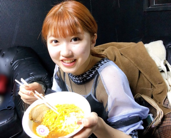 アンジュルム中西香菜「新潟ではたっくさんおいしいもの食べました!コシヒカリのおにぎり!チョコレートのケーキ!バスセンターのカレー!煮干しラーメン!」
