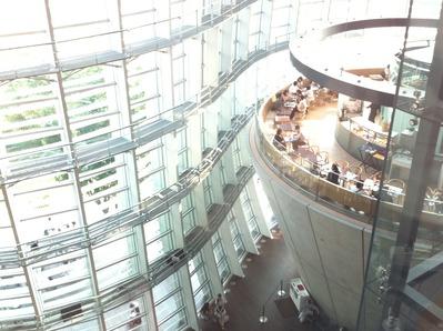 国立新美術館に行ってきた。