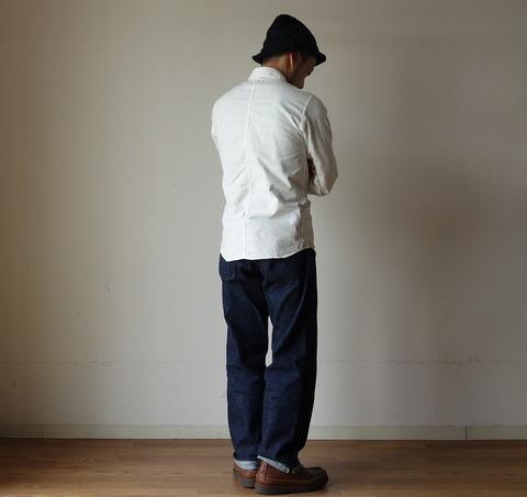 weacの白シャツ