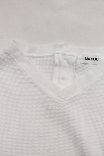 MAXOU Cotton  Waffle V&Button Neck WHITE (3)