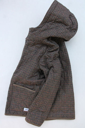 ARMEN Heat Quilt Reversible Hooded Jacket OLIVE Check X IRAQ (5)