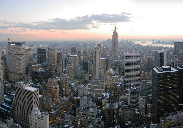 800px-NYC_wideangle_south_from_Top_of_the_Rock