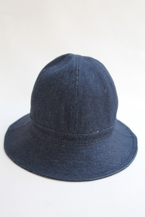 Au Vrai Chic BRITAIN Dome Hat DENIME