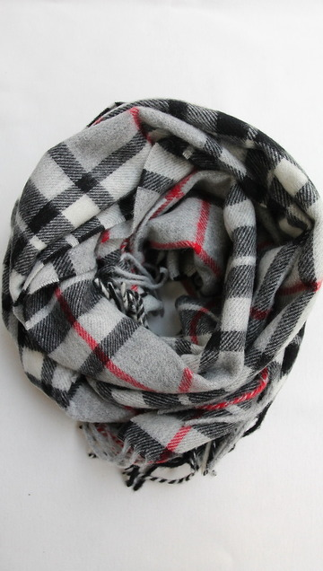 Highland Tweeds Lambswool W With GREY THOMPSON (2)