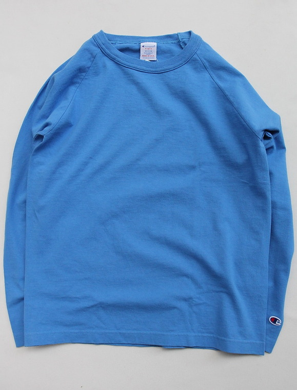 Champion T1011 Raglan Long Sleeve Tee LIGHT BLUE
