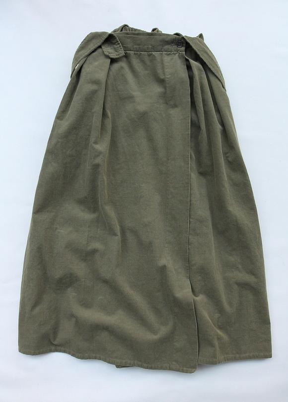 Le ciel de Harriss Corduroy Suspenders Wrap Skirt OLIVE