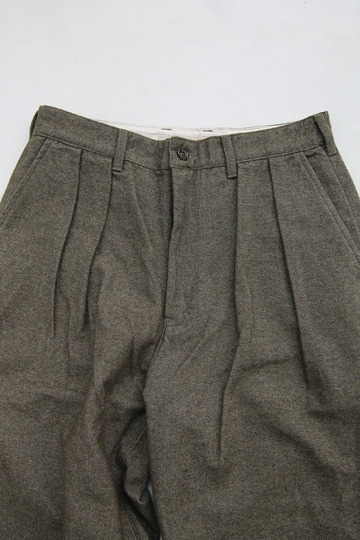 FOB 2 Tuck Wide Pants CW Back Satin OLIVE (4)