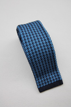Ascot Silk Knit Tie BLUE