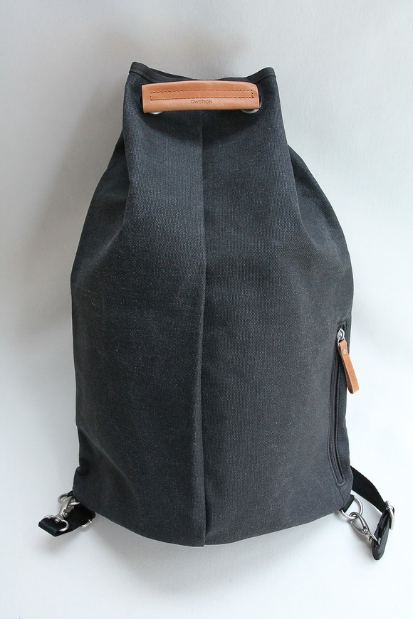 QWESTION Simple Bag Washed BLACK