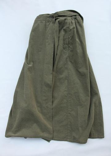 Le ciel de Harriss Corduroy Suspenders Wrap Skirt OLIVE (3)