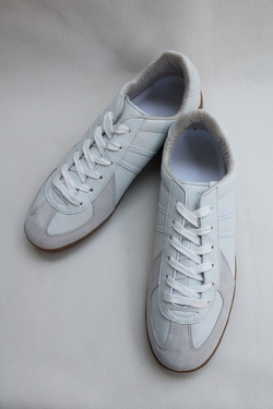 German Trainer WHITE (3)