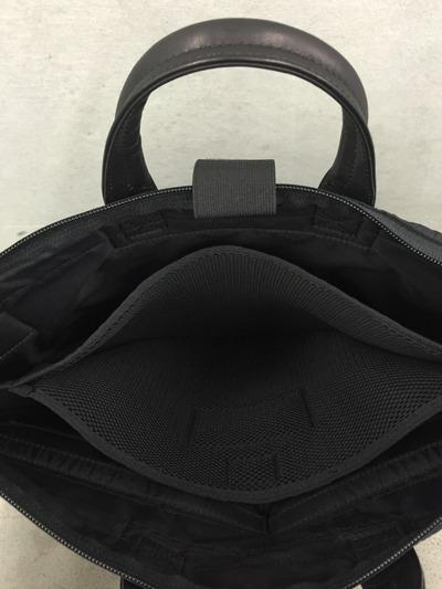 Wrinkles Helmet Bag8