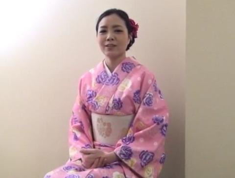 [熟女][天野小雪] 不倫サイトで出会った着物が似合う人妻