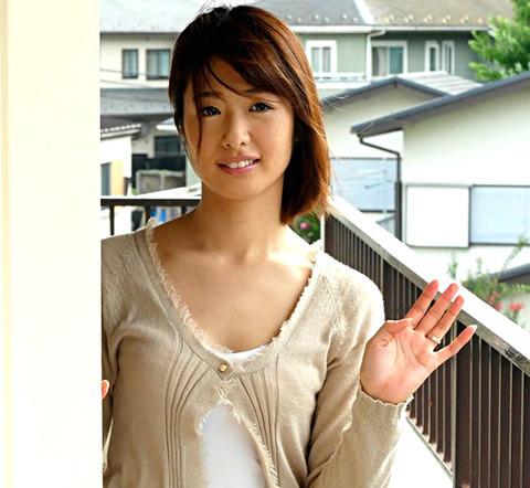 年上の隣人妻 川上奈々美