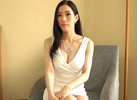 27歳巨乳美女とホテルで濃厚ハメ撮り