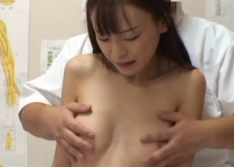 [人妻] 歌舞伎町整体治療院 男根を使用した施術を希望し、男に跨り挿入し腰を振りよがる