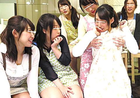 周りは結婚願望かなり強めのアラサー女子たち!!フリーターのボクには場違い過ぎた!と思ったら、婚活の一環である合コンの話題…