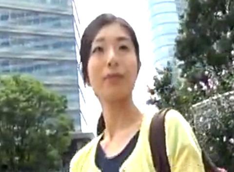 38歳の人妻靖美さんと不倫旅行!夫とはいろいろあってセックスレスになってしまった美人妻とハメ撮り
