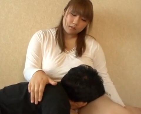 ムチムチな爆乳彼女に豊満な肉体で癒してもらって
