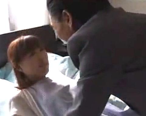 「奥さん、今日はあんたが楽しませてくれ!」旦那の上司に身体を捧げて、不倫SEXで激イキする美人妻