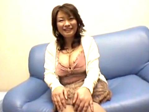 夫のチンポでは満足できない四十路巨乳熟女妻が3PSEXでイキまくり