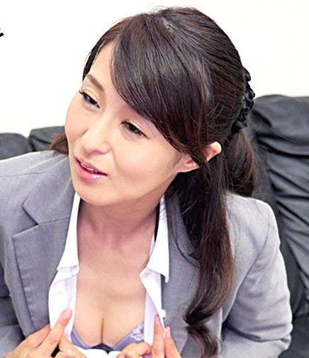 本当にあった!!完熟生保レディの中出し契約テクニック 北川礼子