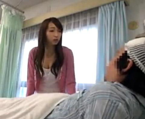 夫が入院している病室で体を拭くうちにエロくなってやってしまう!隣の患者にも犯される美人巨乳妻