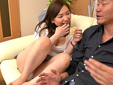 父と娘の近親セックス 酒癖が悪く、親離れも出来ない私はいつもお父さんに迷惑を掛けています。そんなだからあの日も…。 笹倉杏