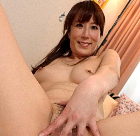 澤村レイコ 欲求不満なレイコは、若くて何度でも射精するチンポにはまり、中出し性活