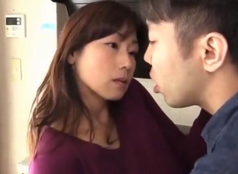 [熟女] 夫に秘密のセックス