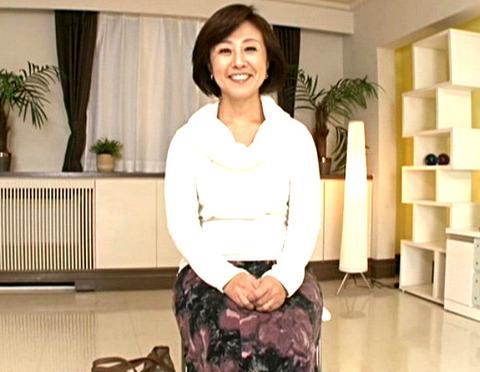 柳田和美 浮気心もってしまった四十路熟女妻が初ハメ撮り!