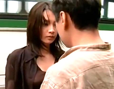 「SEXがしたい!チンポが欲しい!!!」刑務所帰りの熟女が次々と男とやりまくる