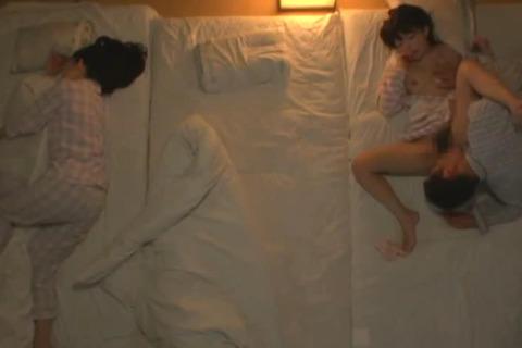 [熟女] 母親の身代わりになって義父に寝取られ続けた娘