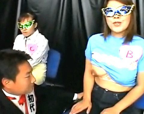 利き乳チャンピオン大会を開催!複数の巨乳人妻の母乳を試飲して当てる