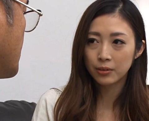 阿部栞菜 「1度失った信用をフェラくらいで回復できると思わないでくださいね?」当然のように大家の要求は過激になっていき、当たり前のように中出しSEX!