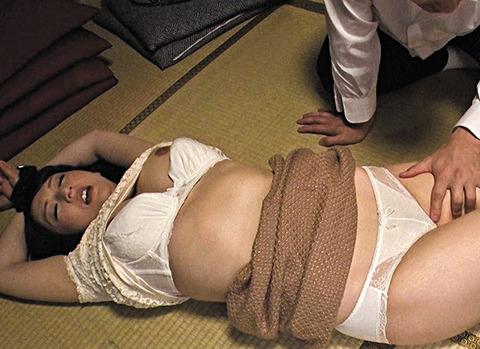 童貞たちの性処理奴隷になった猥褻おばさん 二階堂ゆり