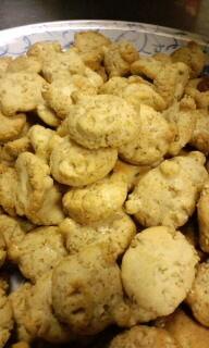 ごまぶたクッキー(セサミ入り)焼きあがりました(^w^)→