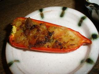 フルーツパプリカ肉詰め焼き