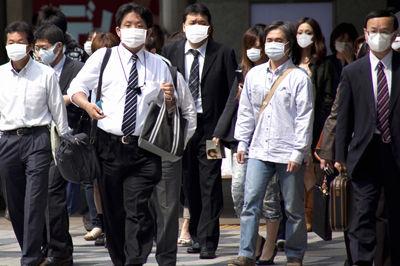 日本人 マスク