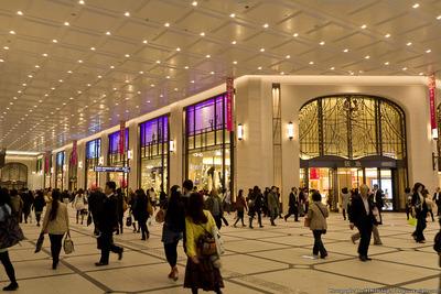 umeda_hankyu_walkway201211_06